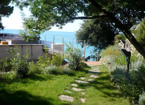 Un giardino nella macchia mediterranea progettare giardini for Progettare un giardino