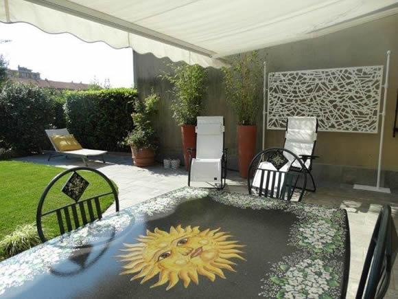 Un giardino con i colori del sole progettare giardini - Giardini di villette ...